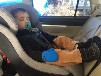Wearing Columbia Steens MT fleece jacket while sleeping in Clek Foonf